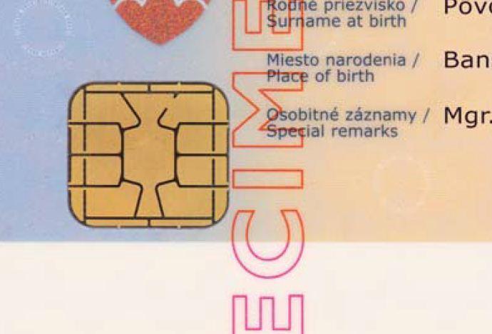 f1f971fd6 Prvoradým zámerom je zabezpečiť, aby každý náš občan s trvalým pobytom na  území Slovenskej republiky mal do konca roku 2021 elektronický ...