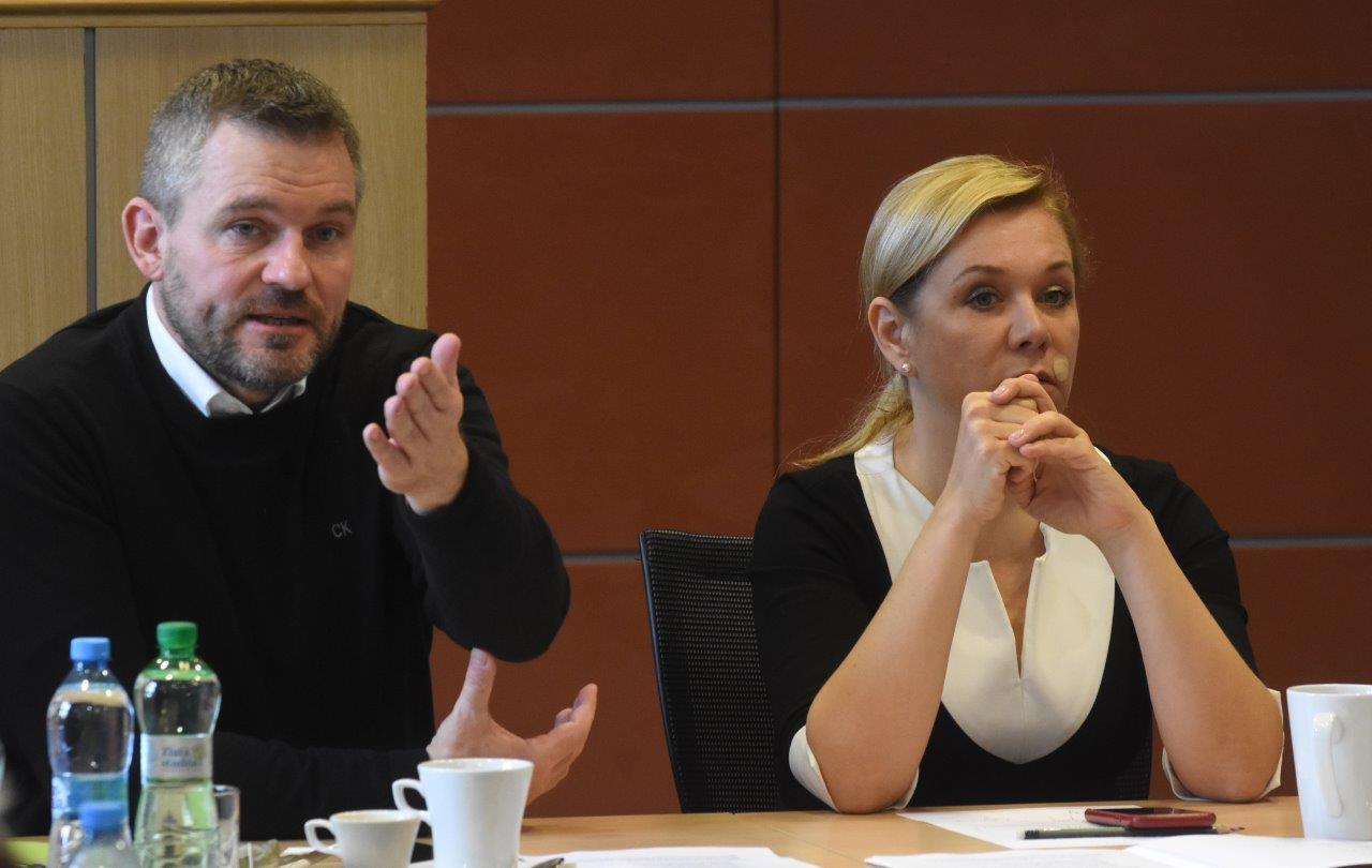 Premiér Peter Pellegrini a ministerka vnútra Denisa Saková